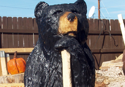 hiking-bear-chainsaw-carving.jpg