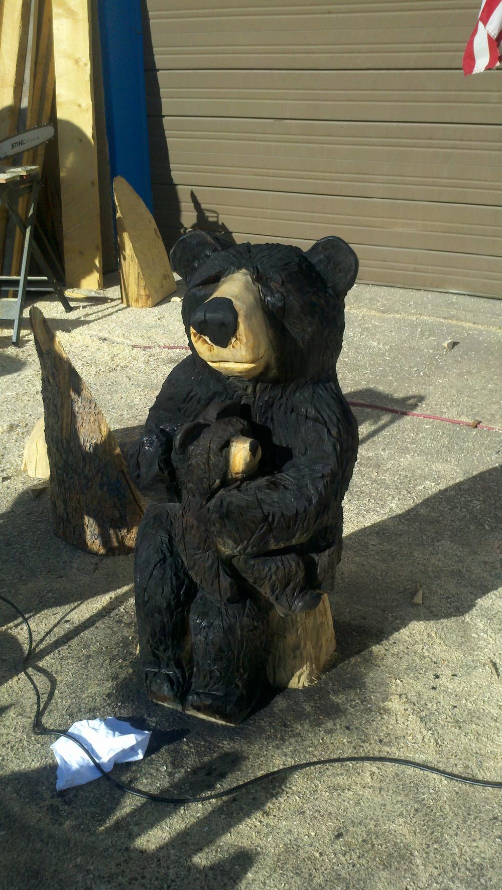 mama-bear-chainsaw-carving.jpg