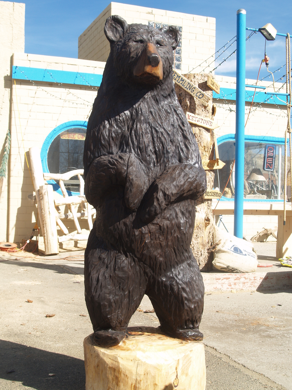 six-foot-chainsaw-carved-bear.JPG