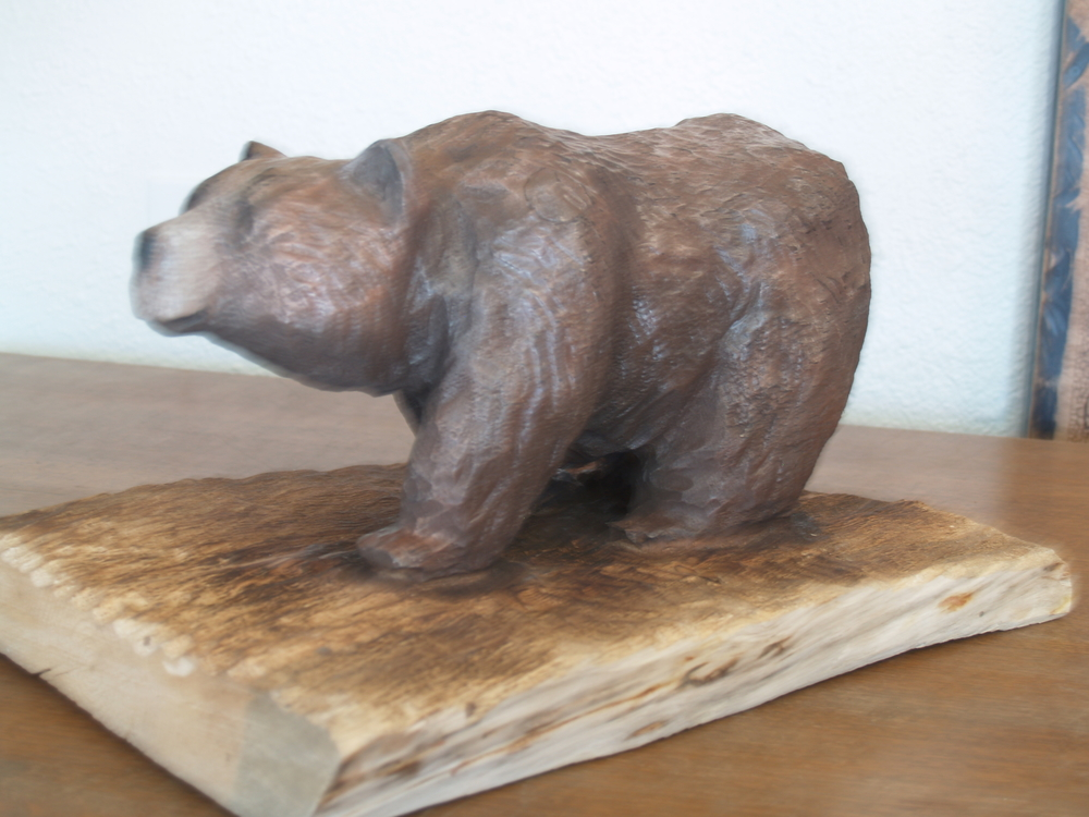 walking-bear-chainsaw-carving (2).JPG