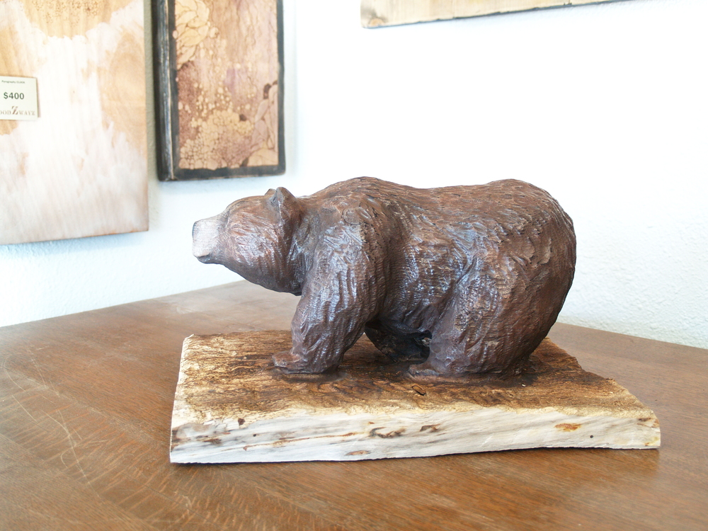 walking-bear-wood-carving.JPG