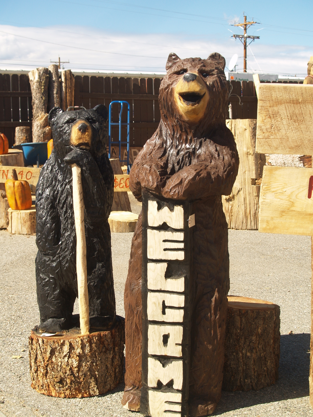 welcom-bears-chainsaw.JPG