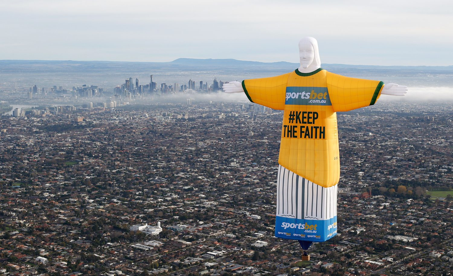 Over melbourne picture of global ballooning melbourne and yarra - Jesus Advertising Hot Air Balloon Jpg