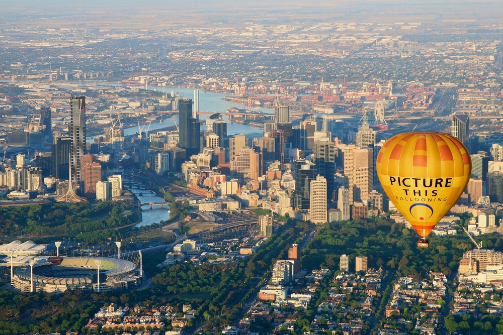 Hot air balloon over Melbourne 1