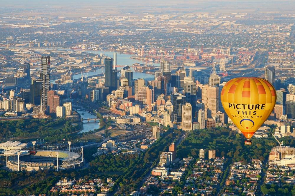Hot air balloon over Melbourne 1