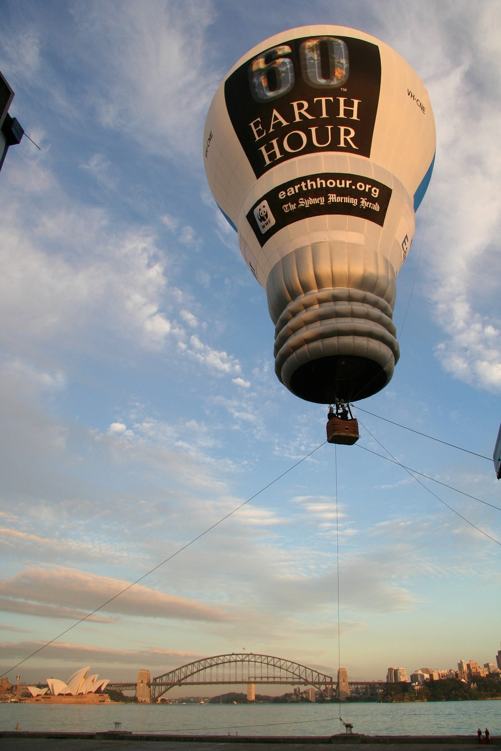 Lightbulb hot air balloon sydney harbour bridge.jpeg
