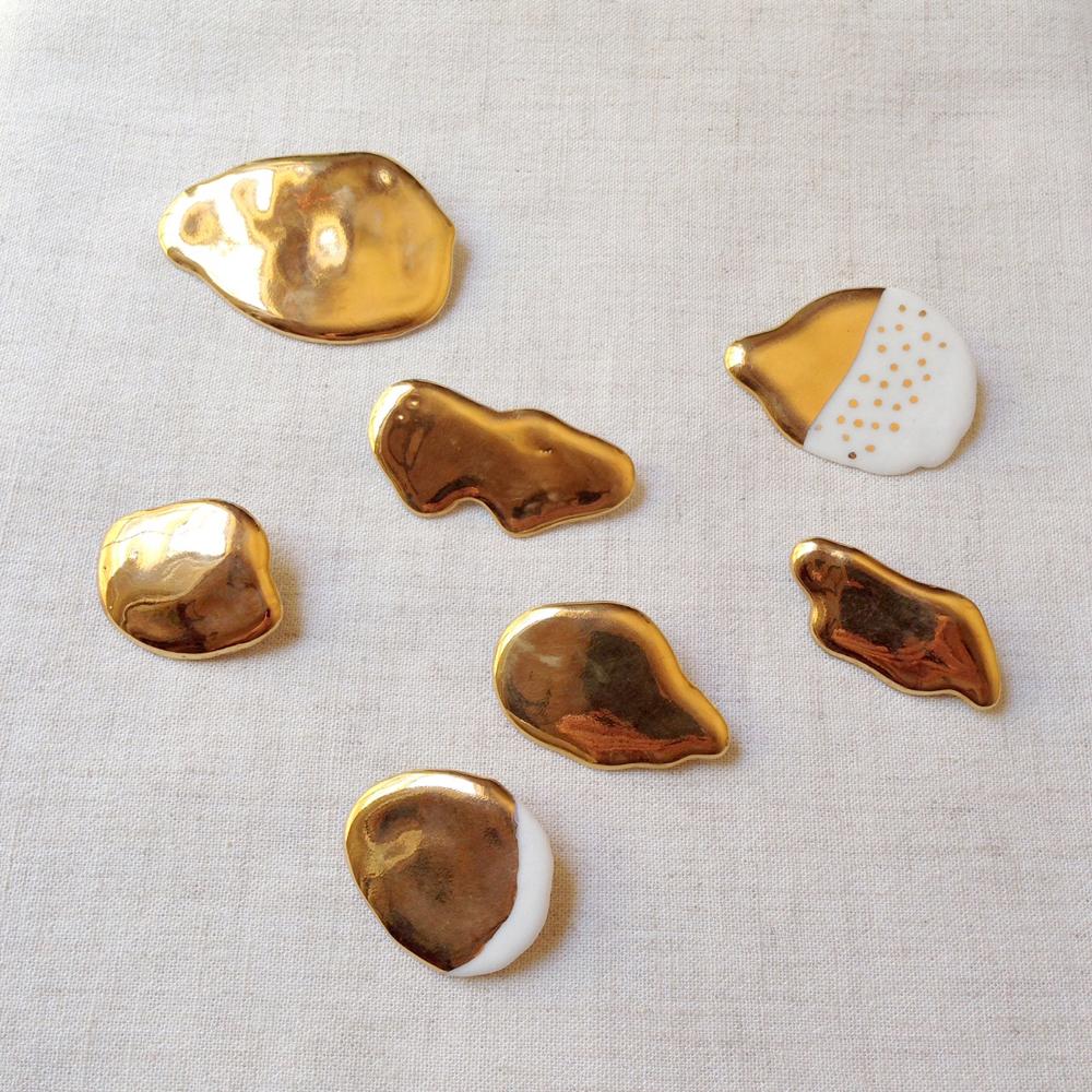 sassy park porcelain lustre brooch
