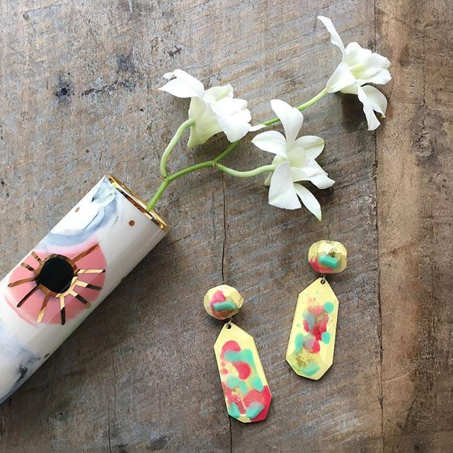 30% OFF SALE is still on ⭐️ promo SPRING30 ⭐️ discount applies to entire store ⭐️ international shipping available ⭐️ . . . . . #fallingforflorin #hotblingmama #rubypilven #rubypilvenceramics #flockcuriosityassembly #nerikomi #porcelain #australianceramics #madeinaustralia #resinjewelry #resinbling #goldlustre #jacketdusters #ceramics #slabvase #flatlay #orchids #keywest #instasale #onlinesale #jewelry #australianjewelry