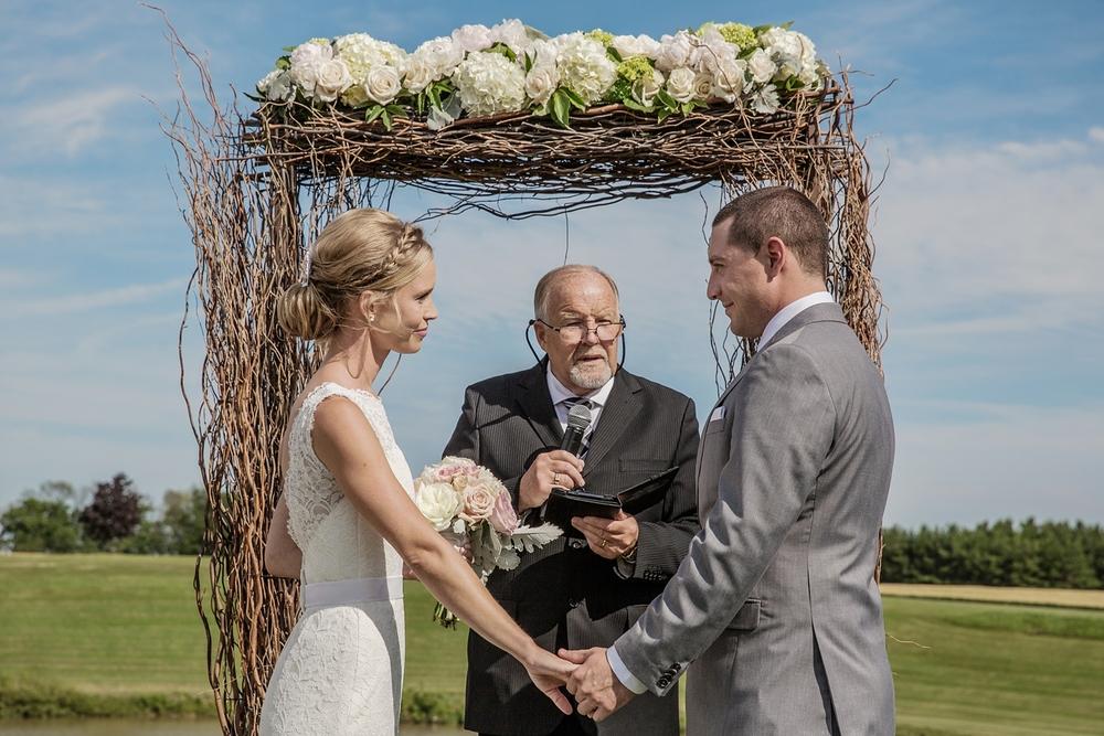sueannstaff-wedding_0008.jpg