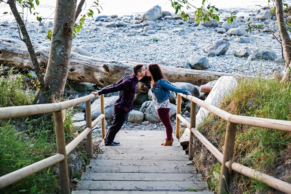 pacificspiritpark-engagement_0009.jpg