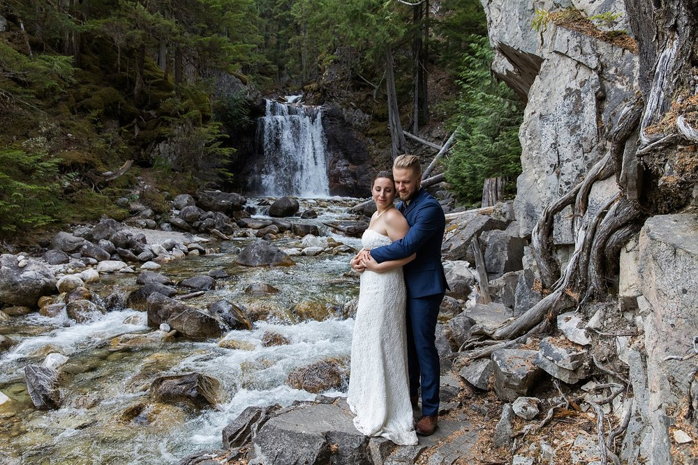 waterfall-wedding_0006.jpg