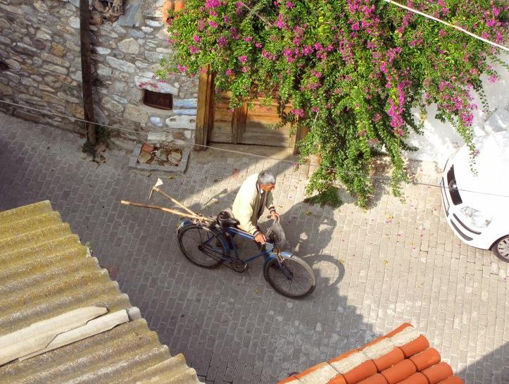 ephesus_workmen bicycle.JPG