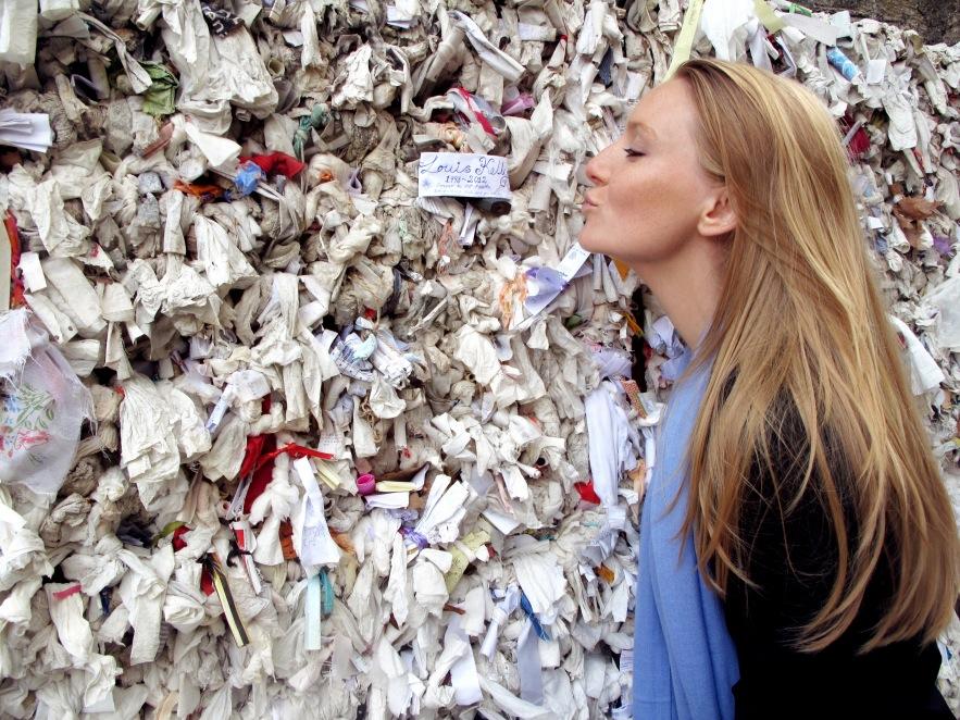 Ephesus_imogen_kiss_mary's wall_louis.JPG
