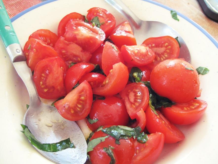 Nice_Tomatoes_close up.JPG