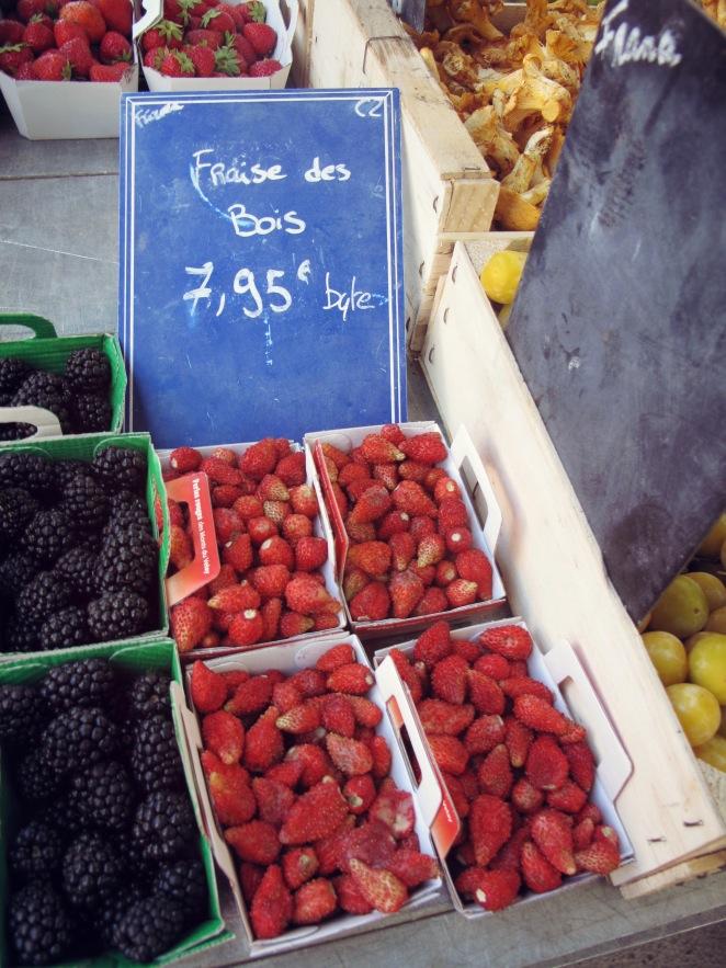 St Tropez_strawberries_markets.JPG