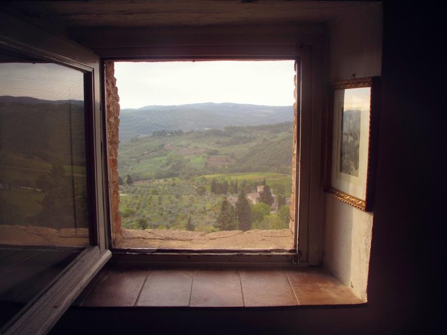 Tuscany_tuscan light_top window.JPG