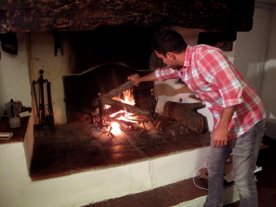Tuscany_Reu lighting fire_farmhouse.JPG