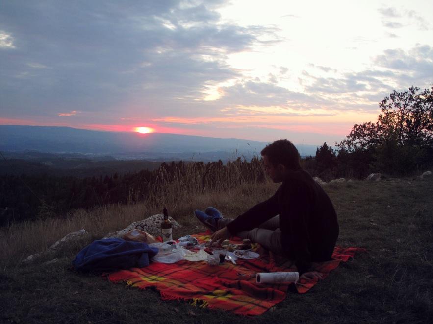 Tuscany_picnic_reu on rug_wide shot.JPG