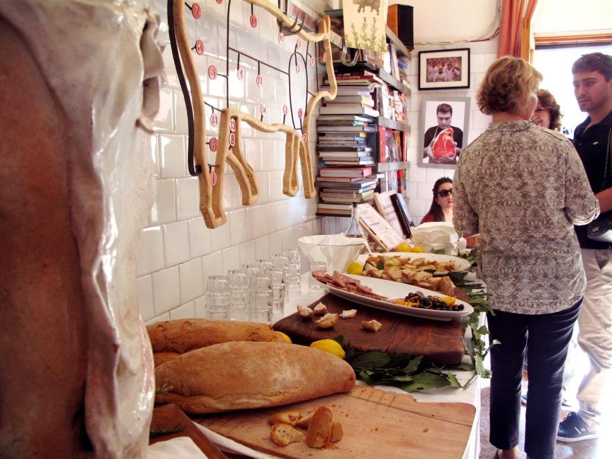 Tuscany_Panzano butcher_Free meats.JPG