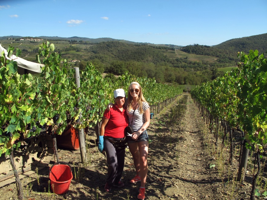 Our lovely caretaker,MAria, let us come to work with her one day & gogrape picking