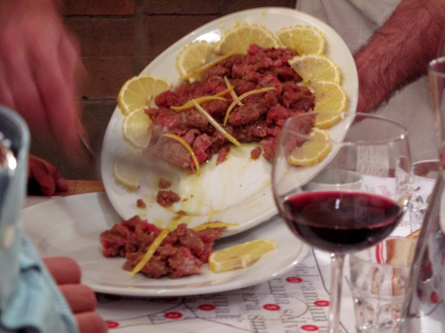 Tuscany_Panzano butcher dinner_beef tartar.JPG