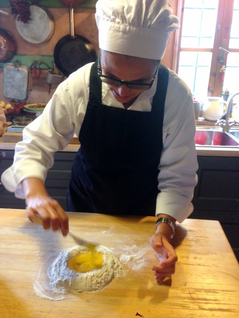 Tuscany_Cooking lesson_roseanna_egg and flour.JPG