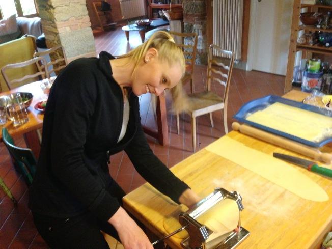Tuscany_Cooking lesson_imogen_pasta flatener_3.JPG
