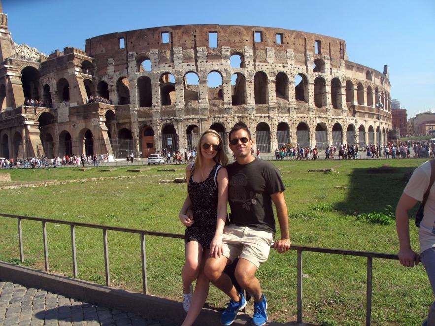 Rome_Colesium_Reu and Im_outside.JPG