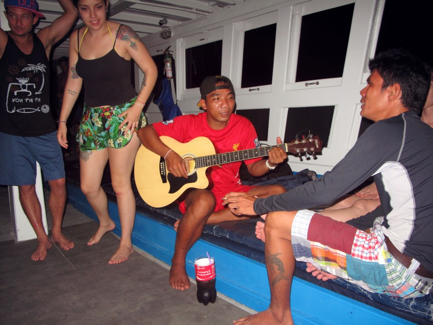 traditional thai lovesongs sung to us by the captain