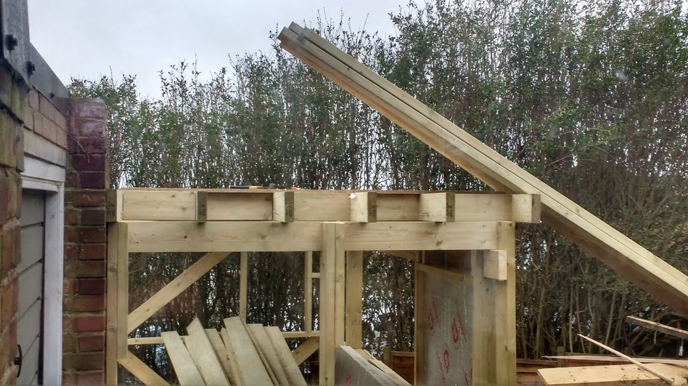 Joists of the flat roof frame
