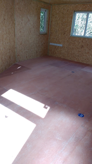 The underfloor is laid