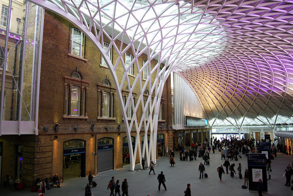 PASSENGER concourse king's cross