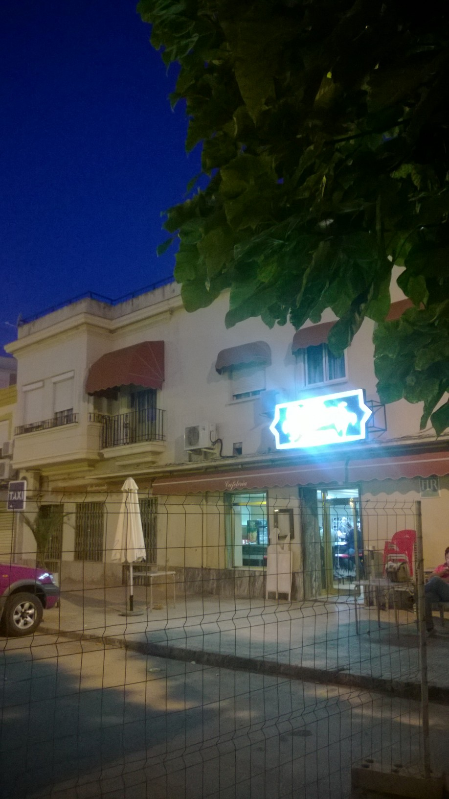 """Las Palmeras,"" the best place in Linares to drink vodka at 7:30am."