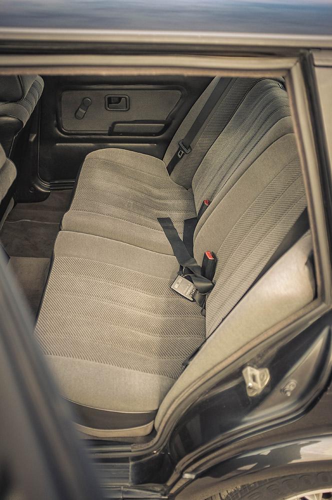 rear_seats_1_small.jpg
