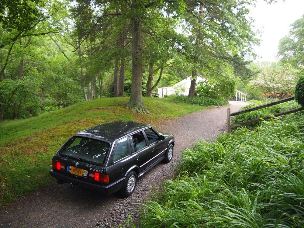 E30 BMW 325ix Touring Rear