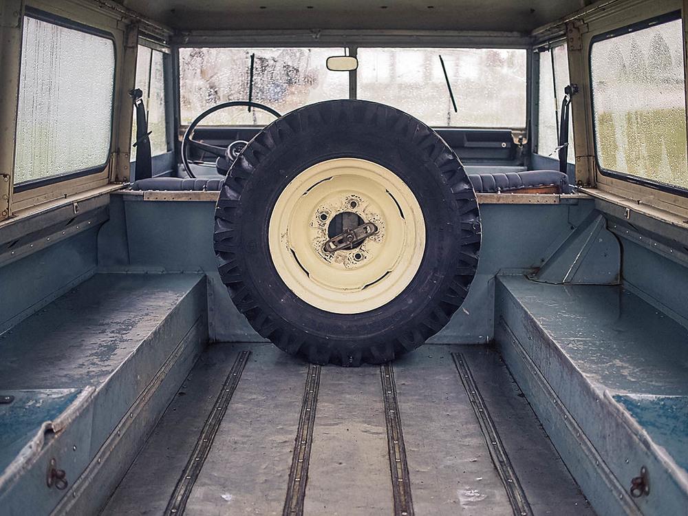 rear_hatch_1a.jpg