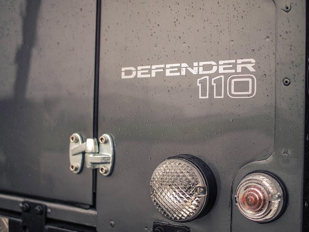 land_rover_defender_decal_1.jpg