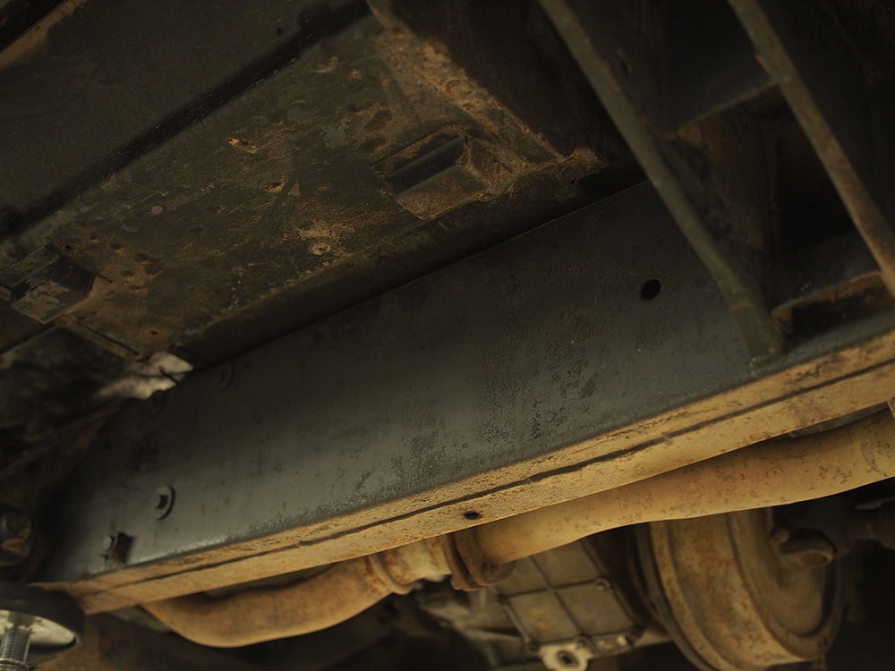 land_rover_defender_chassis_4.jpg
