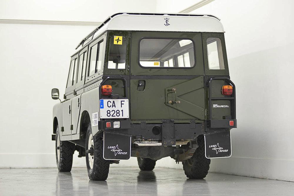 land-rover-109_left_rear_1.jpg