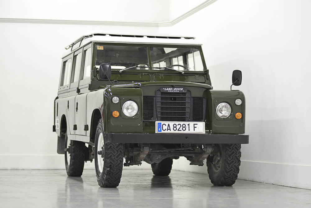 land-rover-109_right_front_1.jpg