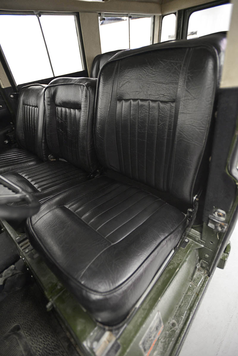 land-rover-109_seats_front_1.jpg
