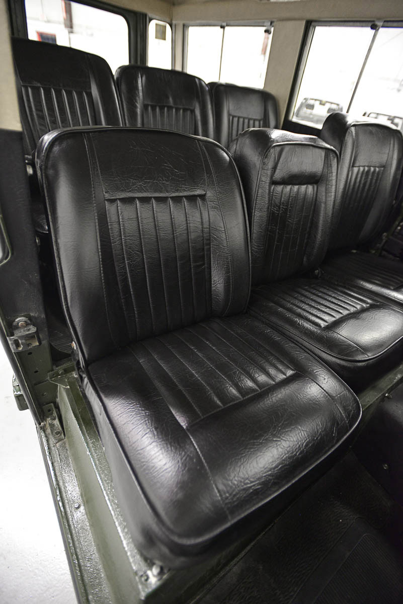 land-rover-109_seats_front_2.jpg
