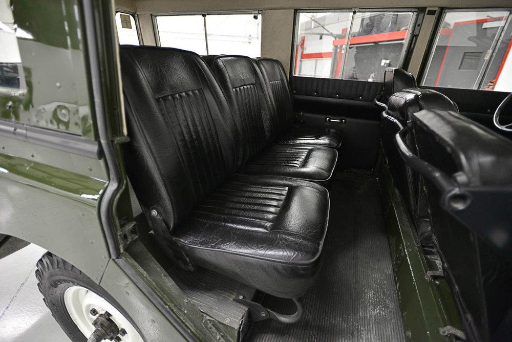 land-rover-109_seats_rear_1.jpg