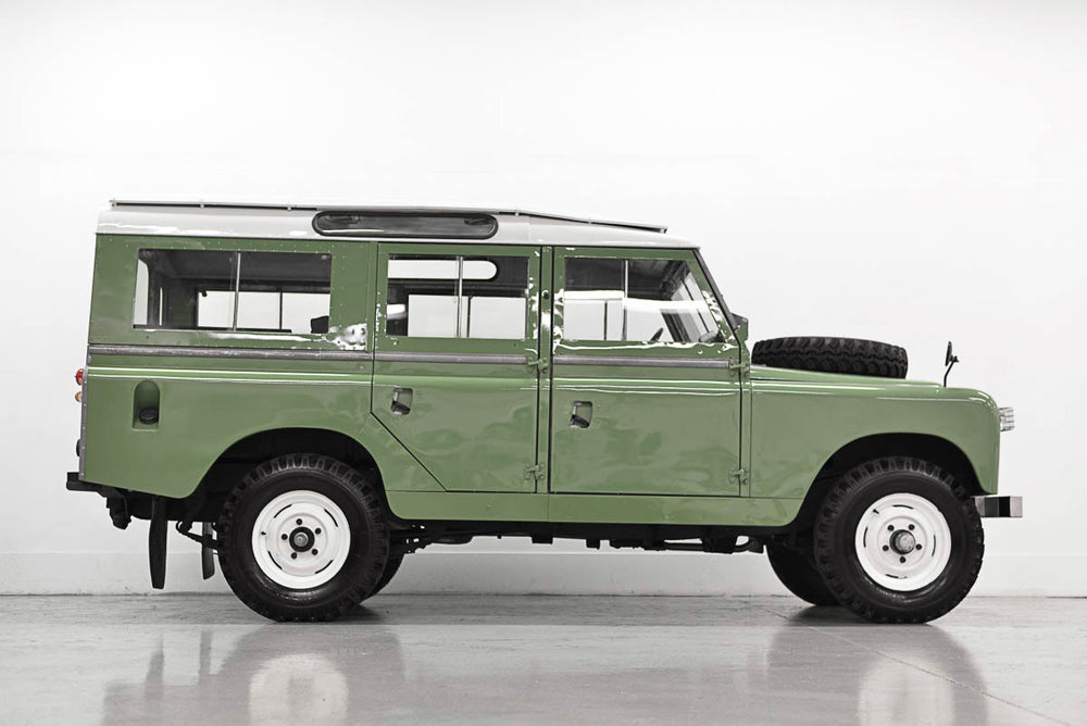 landrover_109_seriesIIA_right_1.jpg