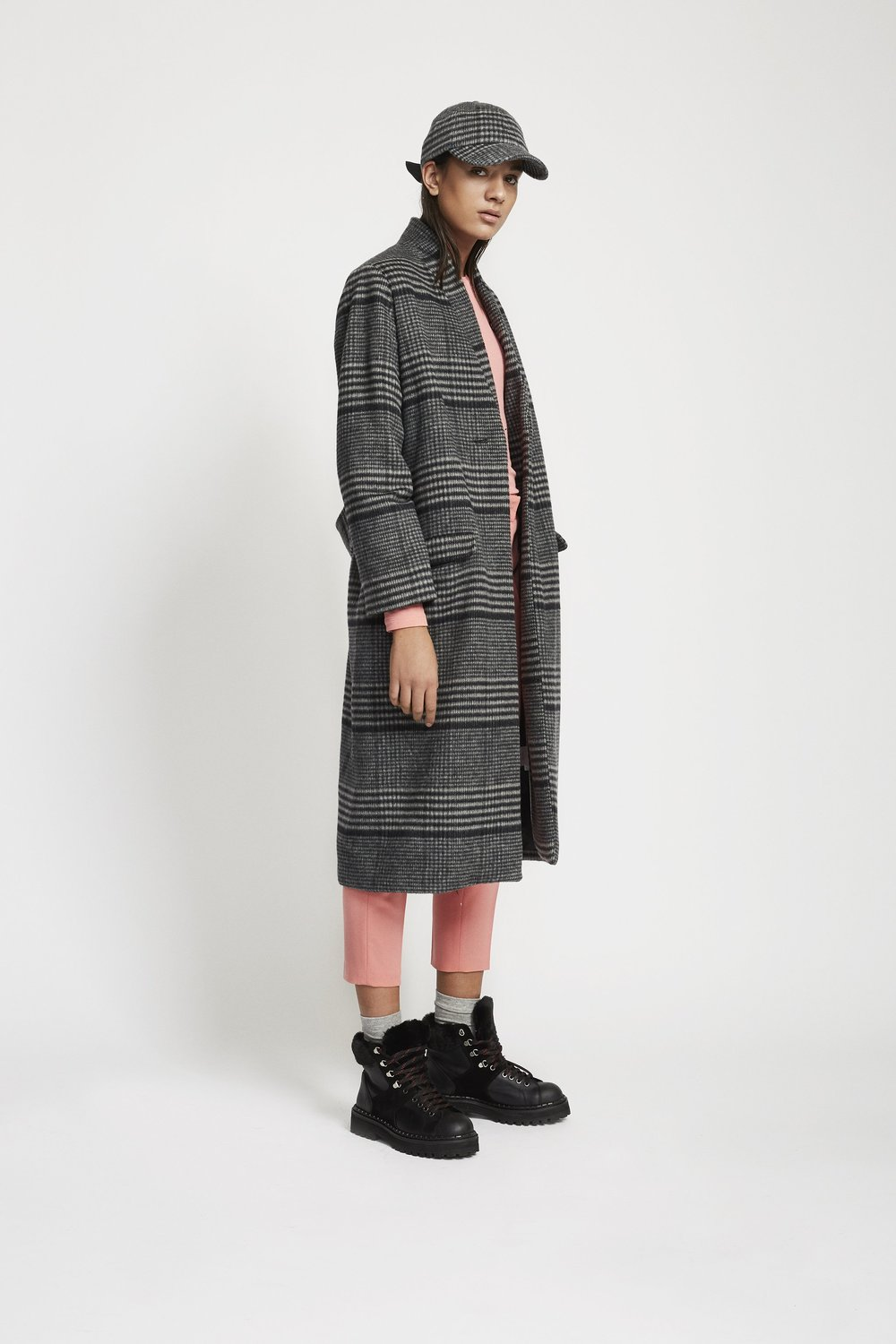 Estelle_Checked_Wool_Coat-Jacket-8294-14867-889_Black_White_check_2048x.jpg