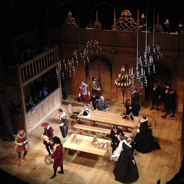 sarahmcintyre: Apollo theatre warming up for Twelfth Night with Mark Rylance & @StephenFry #london