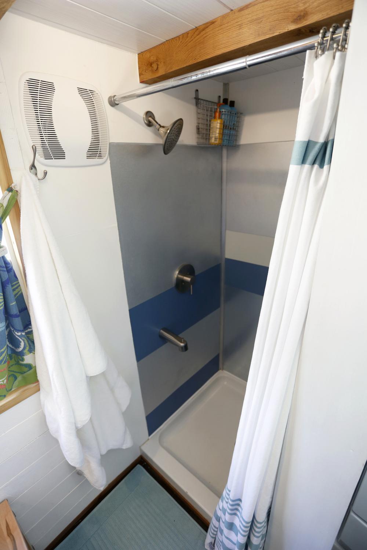 shower_3:4.jpg