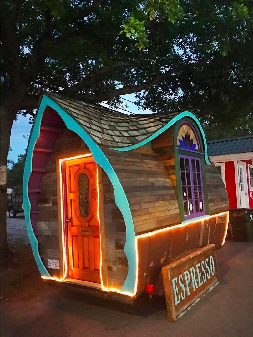 Le Bon Tiny House Cafe
