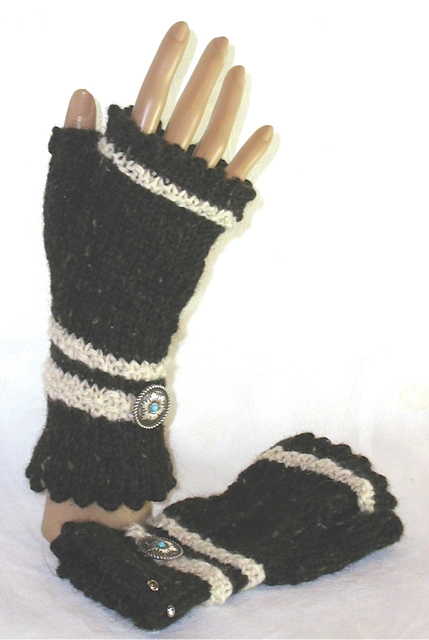 Miriam's Mitts with Concho by Kathy Konecki