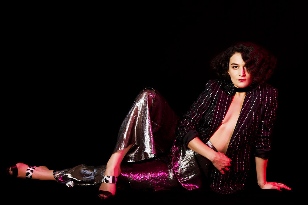 20180812_Nylon_JennySlate_0925 FEET & BLACK BKG PaoRtch copy.jpg